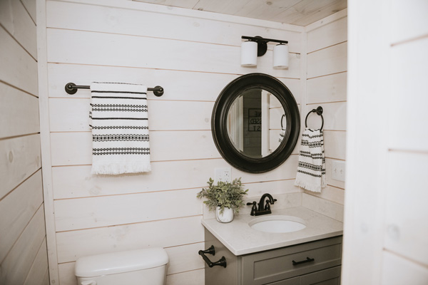 modular home bathroom